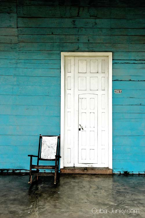 Porch with rockingchair in Vinales Cuba - Cuba Junky